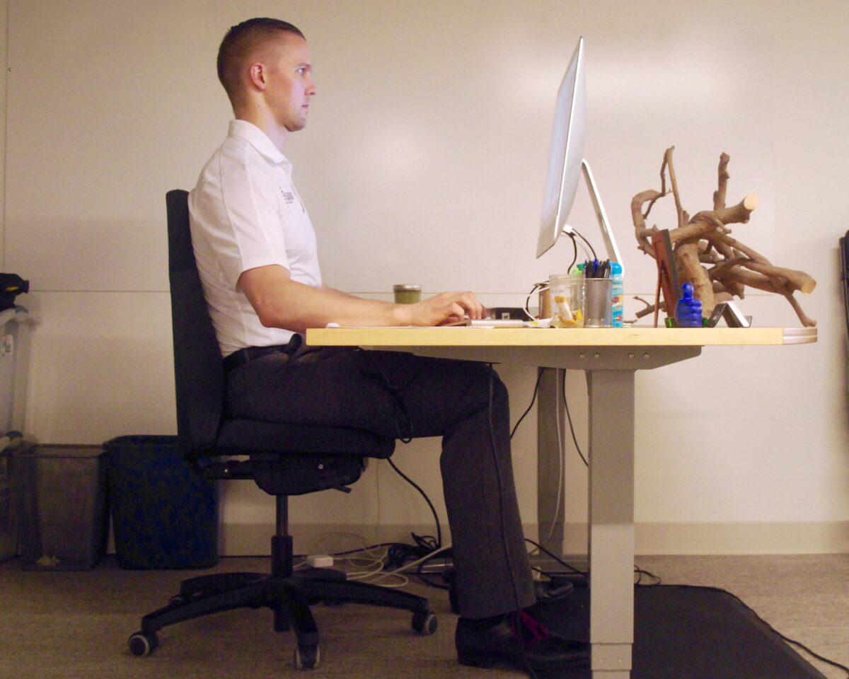 creating-the-ergonomic-workstation-for-working-at-home-14