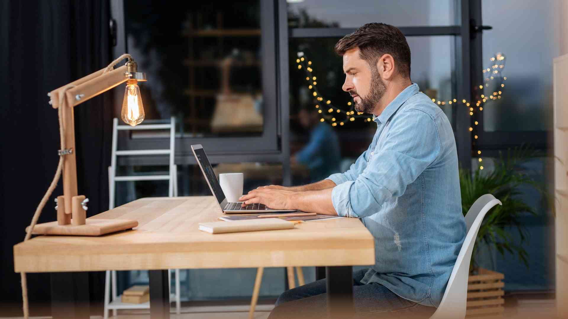create-the-ergonomic-workstation-to-work-at-home-2