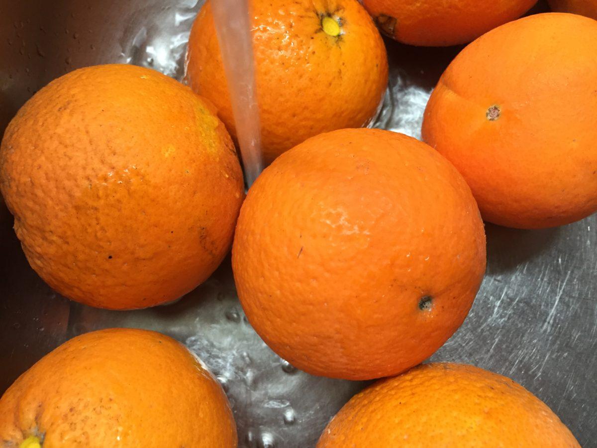 Oranges-washing
