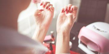 manicure-oli-essenziali1