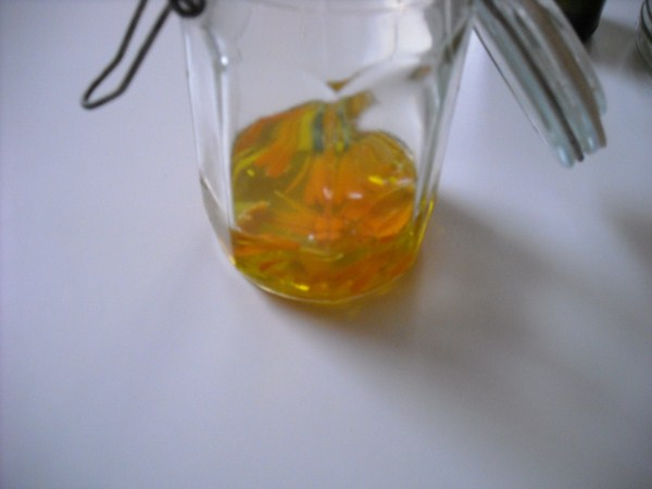 Calendula oil - recipe