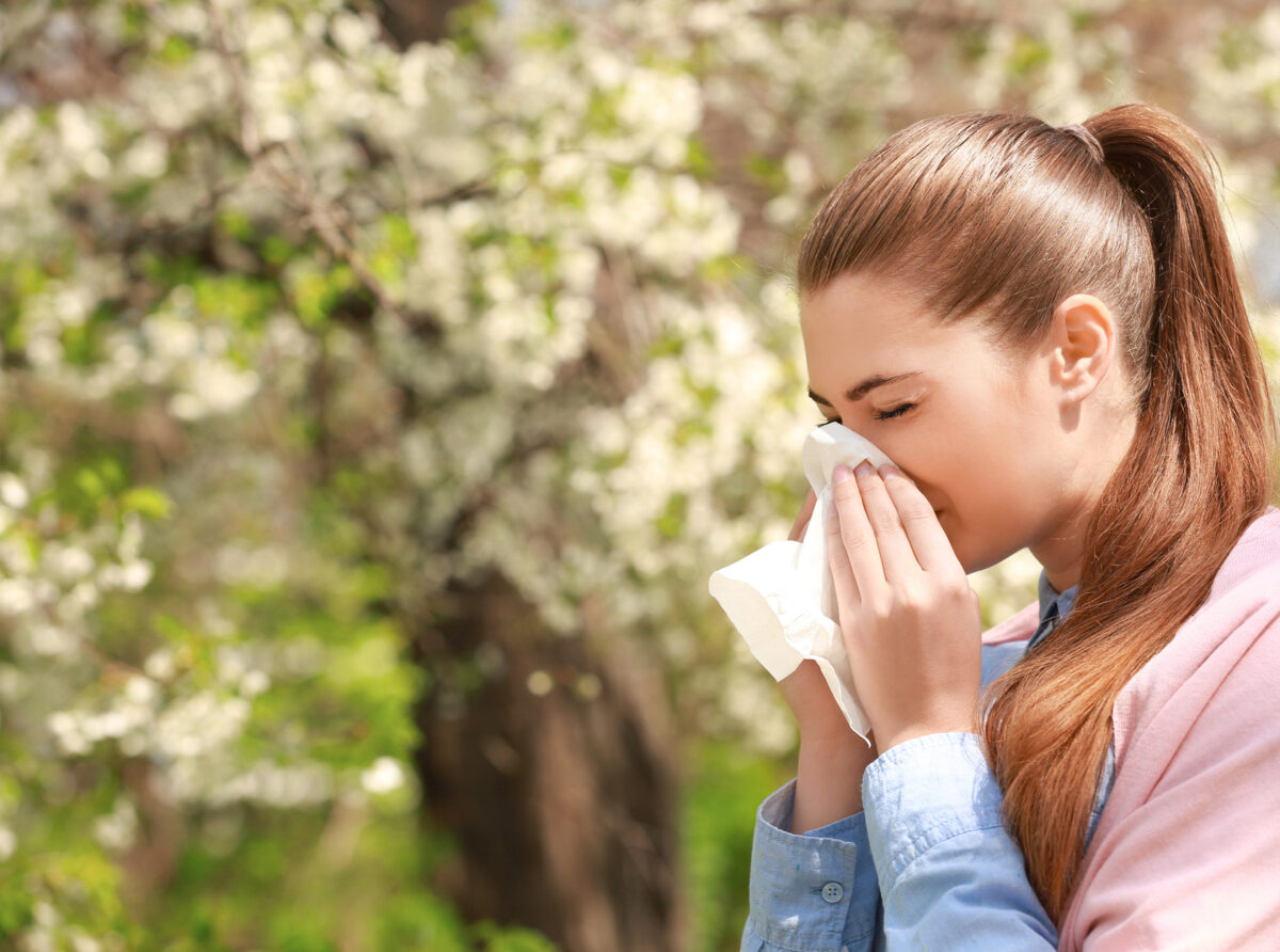 spring-allergies-how-to-keep-them-away-from-home-1